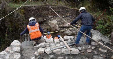 GOLD FIELDS REALIZA CONSTRUCCIÓN DE PUENTES PEATONALES EN LA COMUNIDAD EL TINGO